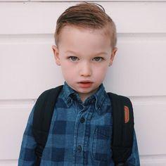 Une photo de son premier jour d'école