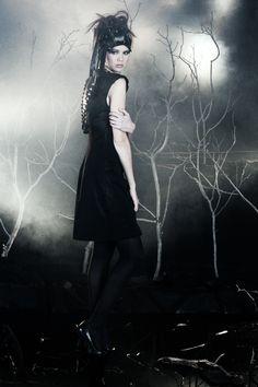HAIR   Matjaž Cej PHOTOGRAPHY   Studio Capsula MAKE-UP   Tina Modlic STYLING   Peter Movrin Sanija Aske