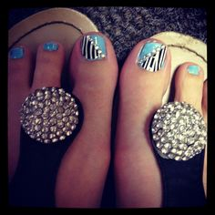 Pretty Summer Nails