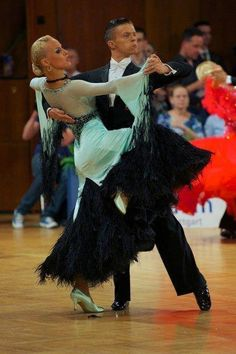 Anton Skuratov & Alona Uehlin | Beijing International Dancesport Open 2013, 7th Place (black, feathered godets with jade)