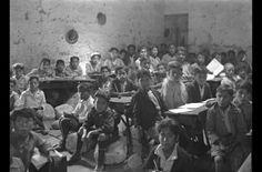 """Carlos y Miguel Vargas: """"Escuela fiscal"""". Arequipa, ca. 1925."""