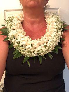 Tongan style lei Ti, baby's breath, stephanotis Tongan Culture, Ribbon Lei, Graduation Leis, Money Lei, Carnations, Christening, Flower Arrangements, Hawaiian Leis, Sewing Projects