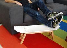 (^o^) Kiddo (^o^) Design - Skateboard stool foot rest Nollie Flip, White Nordic Skateboard Bedroom, Skateboard Decor, Skateboard Furniture, Bedroom Furniture, Furniture Design, Rustic Furniture, Furniture Styles, Antique Furniture, Furniture Decor