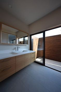 houseTT: Snowdesignofficeが手掛けた洗面所/お風呂/トイレです。