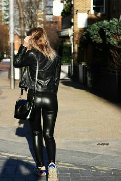 Take a look at the best what to wear with design leggings in the photos below and get ideas for your outfits! what to wear with leggings Image source Tight Leather Pants, Leather Trousers, Faux Leather Leggings, Pvc Fashion, Leather Fashion, Womens Fashion, Legging Outfits, Trouser Outfits, Sexy Outfits