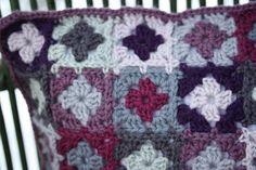 Varli: De almohada saco de la Navidad del ganchillo en cuadraditos pequeños