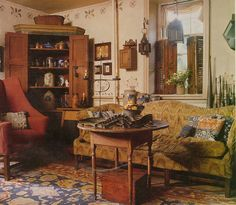 This post about elegant colonial interiors was like a trip down memory lane. In my early I was in love with primitive colonial decor. Primitive Homes, Primitive Living Room, Primitive Antiques, Country Primitive, Country Sampler, Country Decor, Farmhouse Decor, Vintage Farmhouse, Country Interior