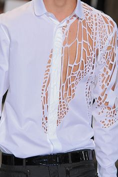 Shirt cut-out detail (Dior 2009) Laser