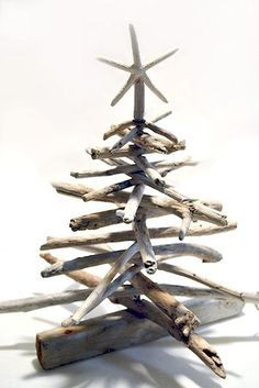 How to Make a Driftwood Christmas Tree
