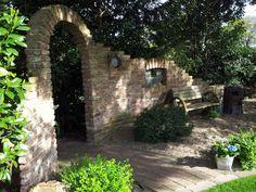 Bei Fangmann Outdoor Landscaping, Front Yard Landscaping, Garden Arches, Prayer Garden, Famous Gardens, Patio Interior, Backyard Garden Design, Garden Club, Garden Styles