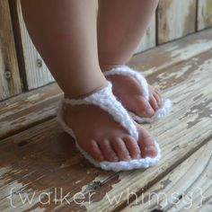 Crochet Itty Bitty Baby Sandals with FREE Pattern