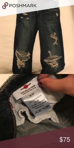 Joe's jeans The perfect boyfriend slim cropped jeans! They are cut and cropped perfectly! Never worn Joe's Jeans Jeans Boyfriend