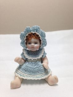 Porcelain Made In China Hand Crochet, Crochet Hats, Bisque Doll, Dollhouse Dolls, Vintage China, China Porcelain, Crochet Clothes, Beautiful Dolls, Bone China