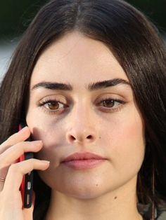 Cute Girl Poses, Cute Girls, Eyebrows, Eyeliner, Arabic Names, Turkish Women Beautiful, Esra Bilgic, Turkish Actors, Beautiful Actresses