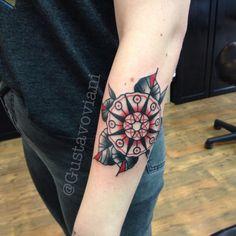#traditionaltattoo #tattoo #vegan #oldschooltattoo #pma #stockholm  #flower #swahilibobstattoo #mandala
