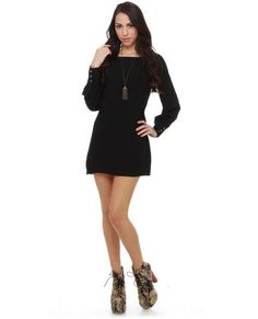 cute basic black mini.  Love the sleeves!