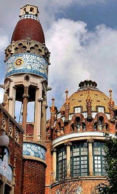 Hospital Sant Pau in Barcelona - Catalonia, Spain Visit Barcelona, Barcelona City, Barcelona Catalonia, Barcelona Travel, Amazing Buildings, Amazing Architecture, Art And Architecture, Architecture Details, Art Nouveau