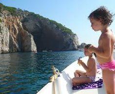 Anche i bambini, spazio ai bambini sui catamarani che vi portano a Formentera.  Info moodeliteinfo@gmail.com