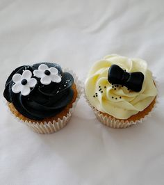 Black and White Wedding Cupcakes