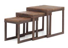 Structure de métal. Plateau de bois de sapin. Table à café et table de bout disponibles. Dimensions(LxPxH): 15.7x15.7x16 po.