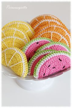 The Princess thing: Play food and raffle winner Crochet Fruit, Crochet Food, Diy Crochet, Afghan Crochet Patterns, Crochet Stitches, Toilet Paper Crafts, Diy And Crafts, Crafts For Kids, Crochet Accessories