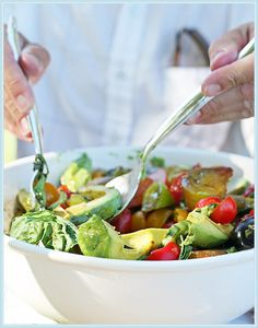 California Avocado Salad for Summer Alfresco Dinner Party. #laylagrayce #blog #entertaining