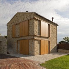 Renovation of House A - F - Picture gallery-Ristrutturazione Casa A – F – Picture gallery house renovation a-f – sant'isidoro – marco turchi – - Wooden Architecture, Architecture Plan, Barn Style Sliding Doors, F Pictures, House Shutters, Barn Renovation, Stone Cladding, Stone Houses, Industrial House