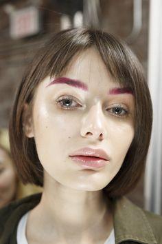 Pop of color where unexpected. Pink eyebrows.  Lanyu NYFW Fall 2017 Short Eyebrows, Asian Eyebrows, Bleached Eyebrows, Henna Eyebrows, Types Of Eyebrows, Straight Eyebrows, Glitter Eyebrows, Guys Eyebrows, Blonde Eyebrows