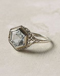 Engagement Ring 18 Unbelievably Beautiful Vintage Rings Inspired By Art Deco - Reverie - In search of a bold style for your engagement ring? Art deco unites geometric motifs with elegant embellishments for a classy look. Art Deco Ring, Art Deco Jewelry, Jewelry Rings, Jewelry Accessories, Fine Jewelry, Jewellery Box, Jewellery Shops, Jewelry Stores, Jewlery