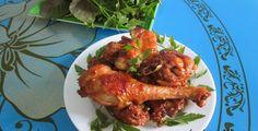 Ga Ro Ti - Vietnamese Roasted Chicken  More food at http://hoianfoodtour.com/  #garoti #roastedchicken #streetfood #danangfoodietour
