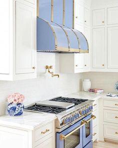 The Chinoiserie Kitchen | Chinoiserie Chic | Bloglovin' #whitekitchen