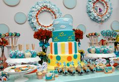 Love this Brazilian Baby Shower party deco! So cheerful!