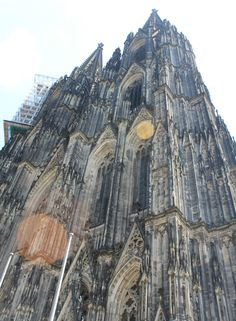 Cologne cathedral, Germany // [sunlight, summer, travel, europe, germany, cathedral, architecture, beautiful, perspective]