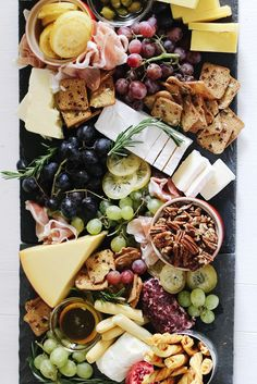 Build The Ultimate (Trader Joe's) Cheese Board The ultimate step by step guide to build the best cheese board with Trader Joes productsThe ultimate step by step guide to build the best cheese board with Trader Joes products Plateau Charcuterie, Charcuterie Platter, Charcuterie And Cheese Board, Cheese Boards, Cheese Board Display, Charcuterie Ideas, Antipasto Platter, Cheese Platters, Food Platters