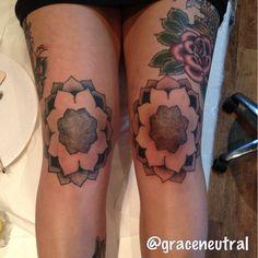 knee tattoo