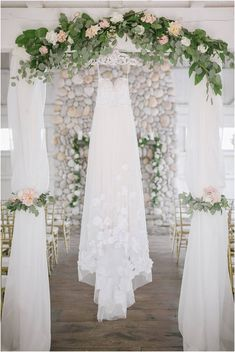 Pretty summer wedding at Bonnet Island Estate by Off BEET Productions // #bride #groom #love #wedding #portrait #dreamwedding #bridetobe #weddinginspiration #weddinggown #dress #gown #romantic #pink #blush