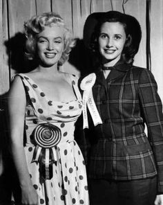 Marilyn Monroe with Miss Colorado 1952!!!.....♡
