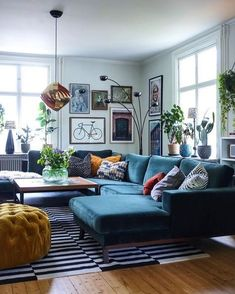 Home Interior Illustration 48 cozy living room decor ideas on a budget to inspire you 15 - - Living Room Decor Cozy, My Living Room, Living Room Furniture, Loft Furniture, Small Living, Budget Living Rooms, Cozy Eclectic Living Room, Furniture Ideas, Retro Living Rooms