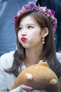 Sana-Twice 180429 Fansign Event Nayeon, Kpop Girl Groups, Korean Girl Groups, Kpop Girls, K Pop, These Girls, Cute Girls, Sana Kpop, Sana Cute