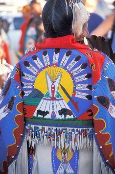 Native American Wisdom, Native American Regalia, Native American Clothing, Native American Pictures, Native American Artwork, Native American Crafts, Native American Women, Native American Beading, Native American History
