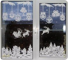 Have you ideas to easily decorate your window? Do not let the stress of decorating you lose the spirit of Christmas.Here are some wonderful Christmas window decorations for you. Browse them and we're sure you'l find the one you want. Cozy Christmas, Christmas Holidays, Christmas Crafts, Christmas Ornaments, Christmas Windows, Christmas Window Decorations, New Years Decorations, Holiday Decor, Holiday Pictures