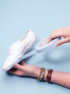 Ana i can see u doing this for your niece!!! DIY glitter keds!