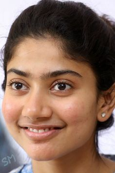 Sai Pallavi South Actress, South Indian Actress, Anushka Shetty Saree, Sai Pallavi Hd Images, Trisha Photos, Aditi Bhatia, Indian Heroine, Indian Face, Samantha Pics