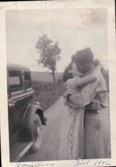 sweet vintage photo | a kiss