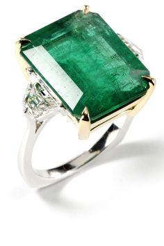 39 Unique Emerald Engagement Rings - Beautiful Green Emerald Engagement Rings