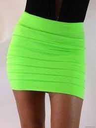 Dar Etek Modelleri - http://www.gelinlikvitrini.com/dar-etek-modelleri/ - #2015DarKıyafetler, #DarEtekModelleri, #YeniSezonKıyafetModelleri   Dar Etek Modelleriher kadına yakışmaz. Kadınlar bize kızmasın ama gerçekten de dar etek modeli her bayana yakışmaz. Kalça kısmı sıkı olan bayanlara dar etekler mükemmel gider. fizik olarak düzgün bacaklara sahip olan ve kalça kısımları sert olan bayanlar dar etekleri tercih etmeli.dar etek model...