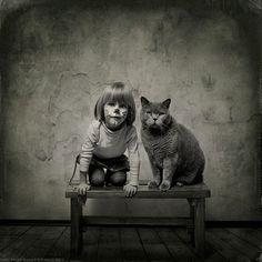 Photos Of A Beautiful Friendship Between A Little Girl And Her Cat. - http://www.lifebuzz.com/cat-girl-friendship/