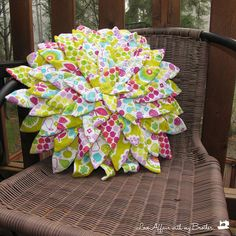 Flower Pillow with flannel and only 4 fat quarters!