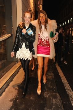 Anna Dello Russo making her way through the Milan streets.