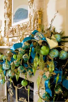 turquoise and lime mantle decor, gorgeous!
